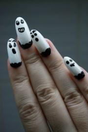 simple ghosts halloween nail art