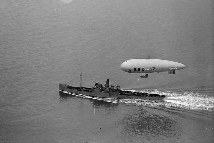 British navy airship