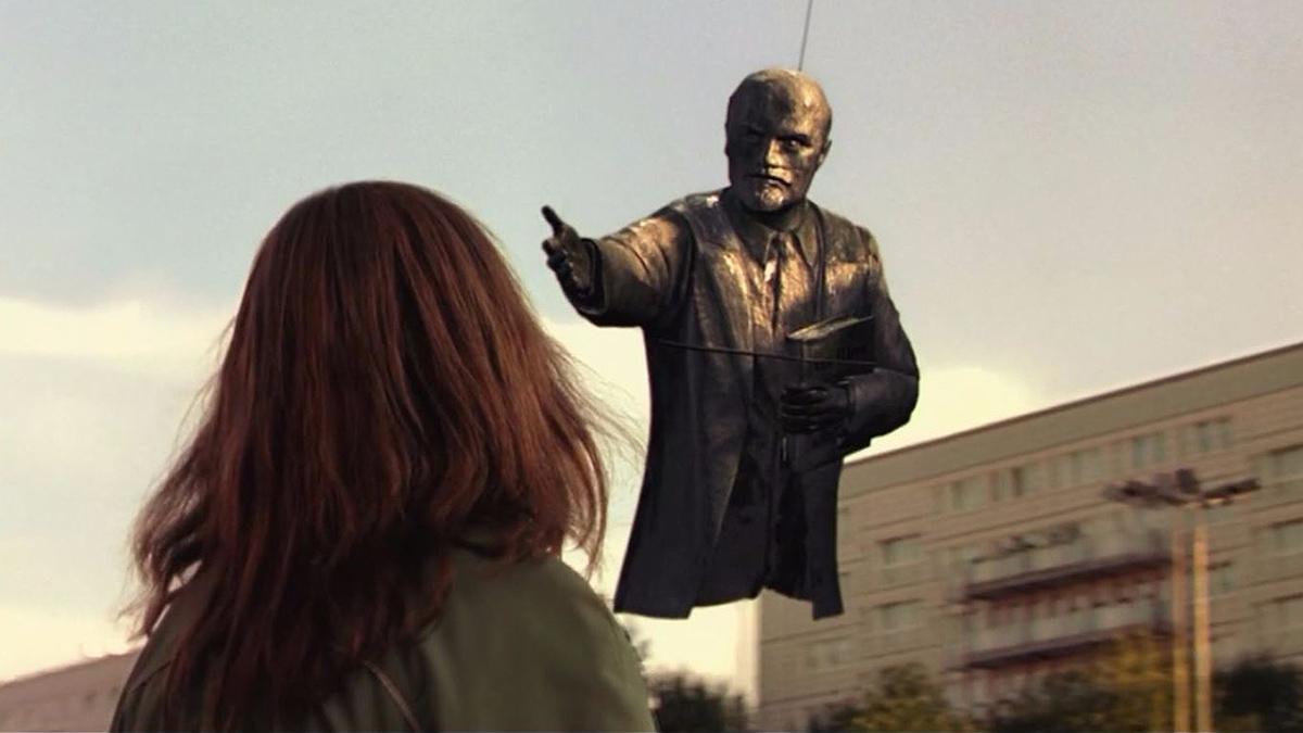 Good Bye, Lenin! scene
