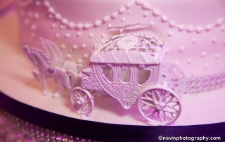 Clontarf Castle Wedding Cake with Carriage