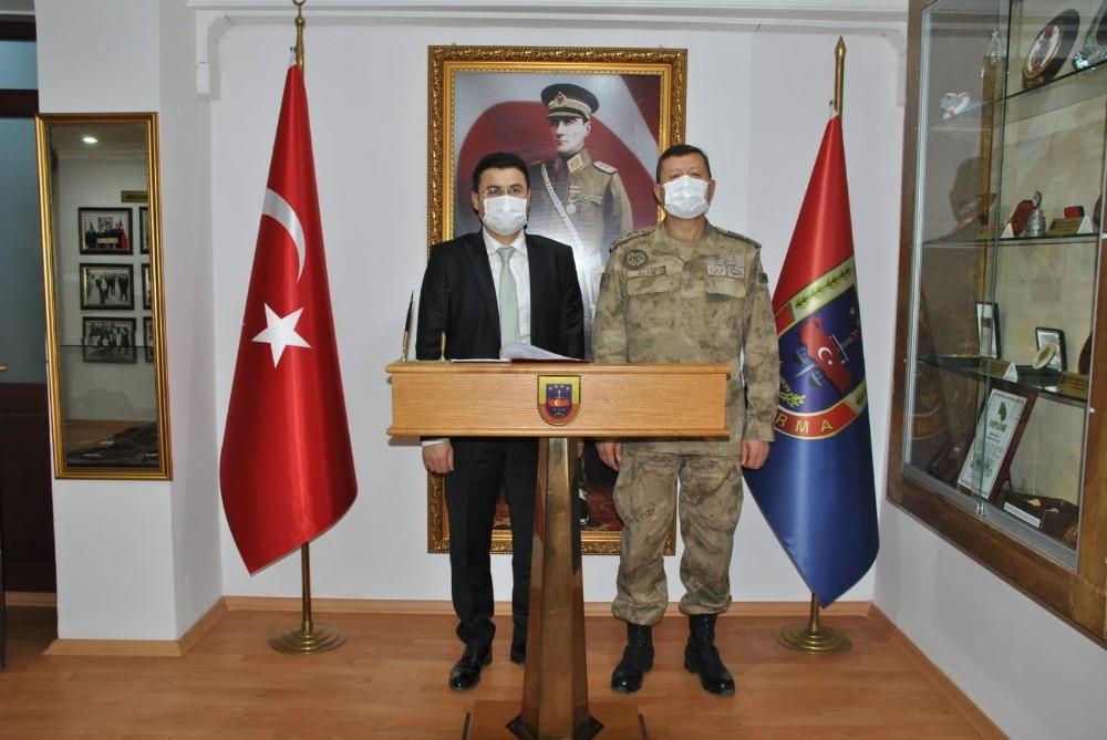 Ağır Ceza Mahkemesi Başkanı Taştan, JAKEM Komutanı Altın'ı ziyaret etti