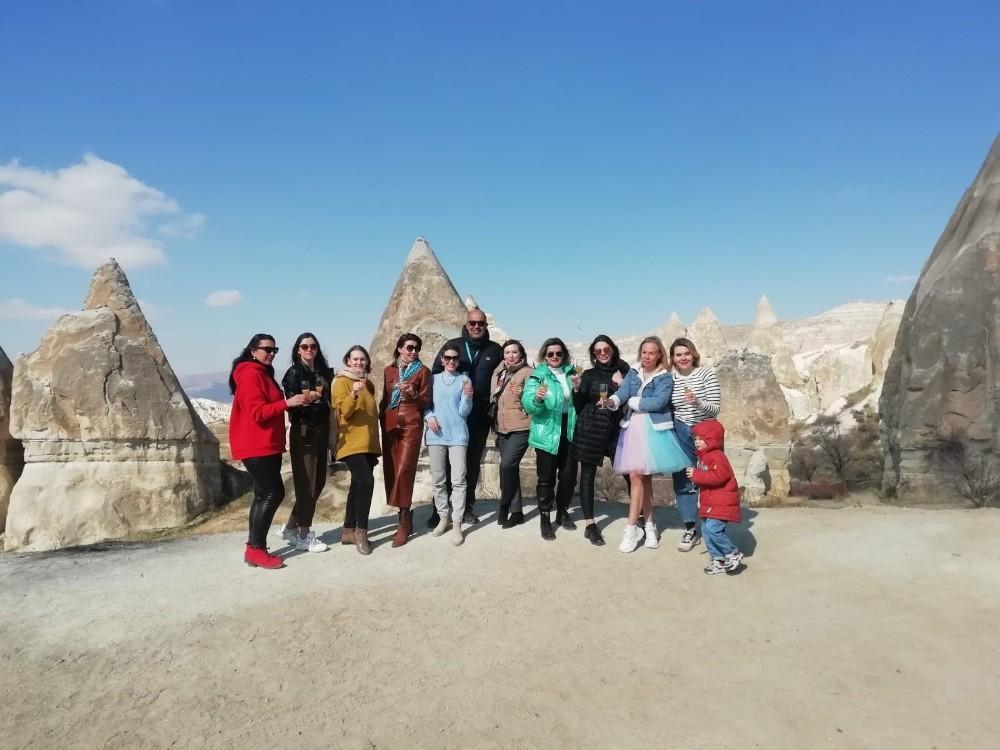 Rus turistler, Kapadokya'da Dünya Kadınlar Günü'nü kutladı