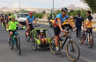 Bisiklet tutkunları Kapadokya'da buluştu