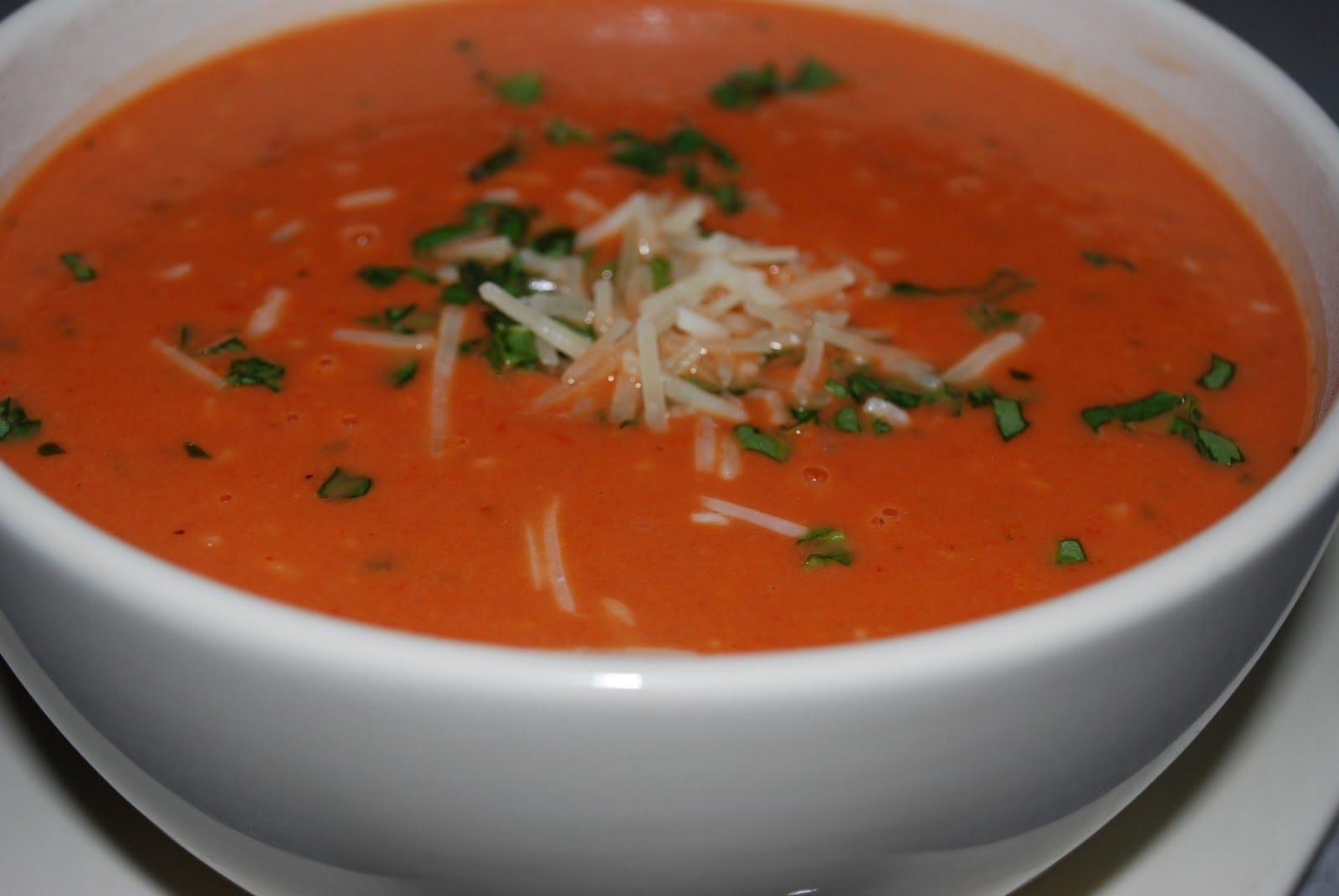 طريقة شوربة الطماطم بالكريمة شوربة طعمة و تدفي بالشتا بالطماطم