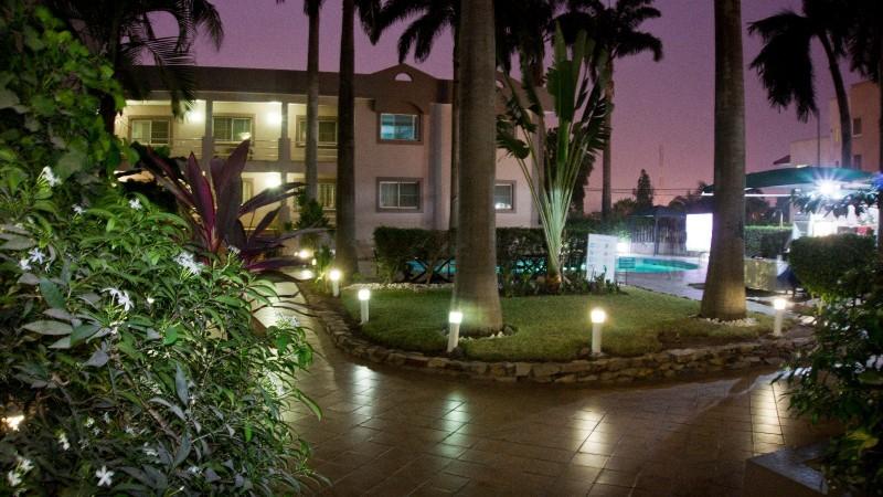 Apartamento Hotel 2 bedroom apartments Airport  Accra