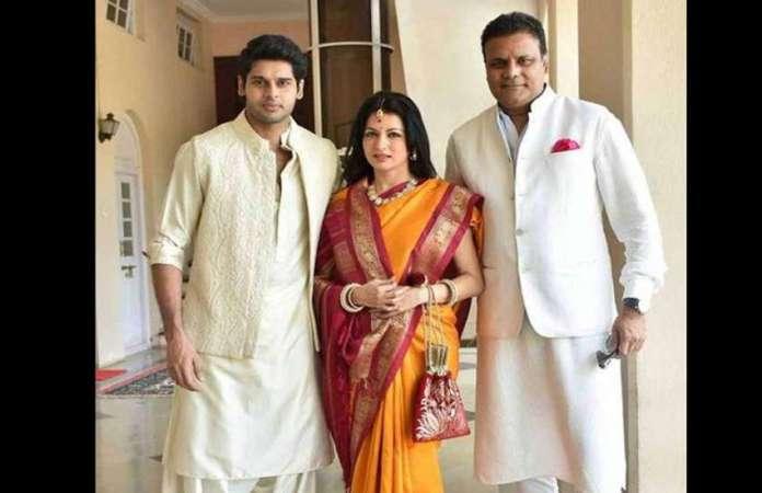 happy-birthday-bhagyashree-family