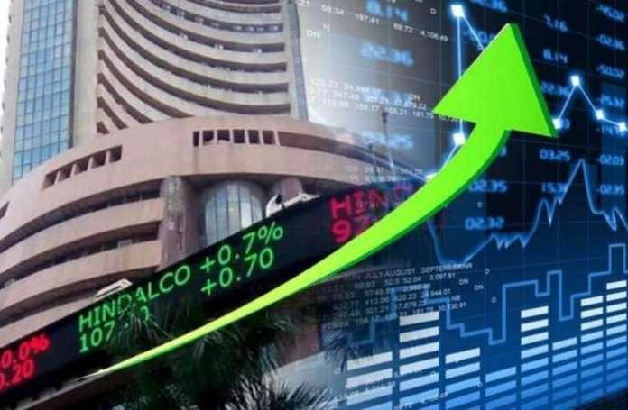 लगातार दूसरे दिन 425 अंकों की तेजी तक भागा शेयर बाजार, निफ्टी 12220 अंकों के पार