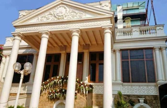shah_rukh_khan_mannat_house_1.jpg