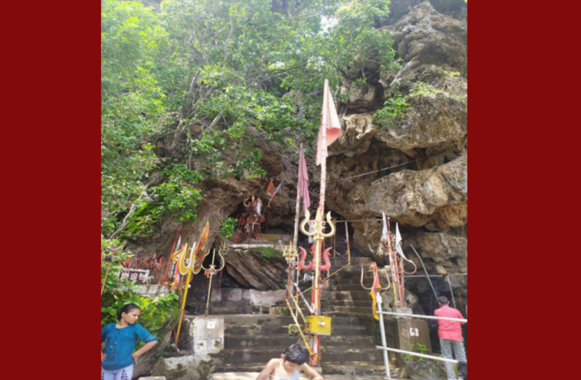 Bhopali Mahadev's water removes disease, devotees reach here from different regions