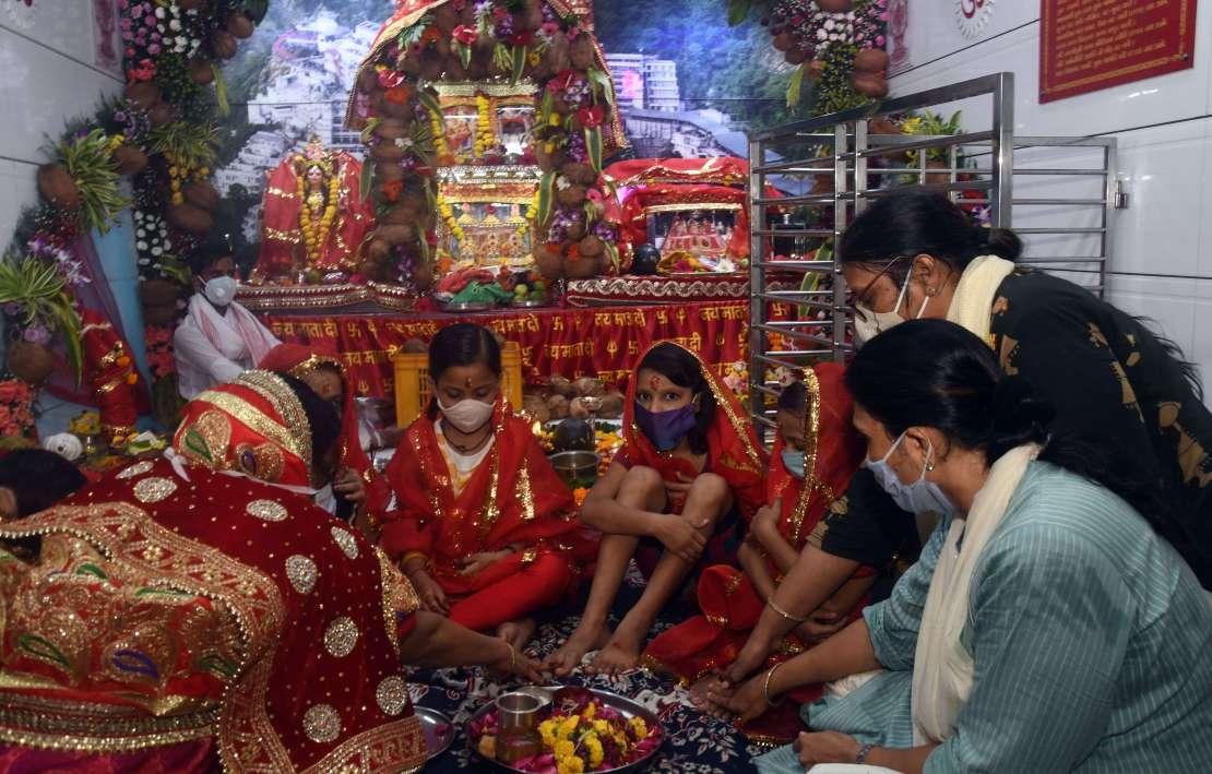 NAVRATRI: Restoration in Bhaktidham, Vaishnodwar worshiping girl