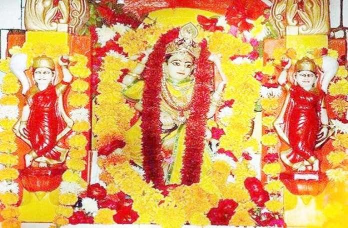 https://www.patrika.com/temples/covid-19-status-on-navratra-asthami-story-of-goddess-on-tank-at-war-5952882/