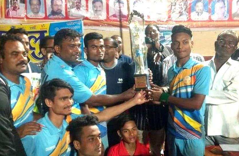 Day night shooting volleyball tournament : इंदौर की टीम ने जीता फाइनल मुकाबला