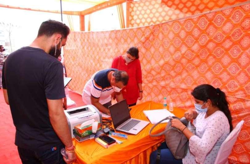 Entrepreneur Rohit Khosla Became Support Of Destitute In Corona Crisis
