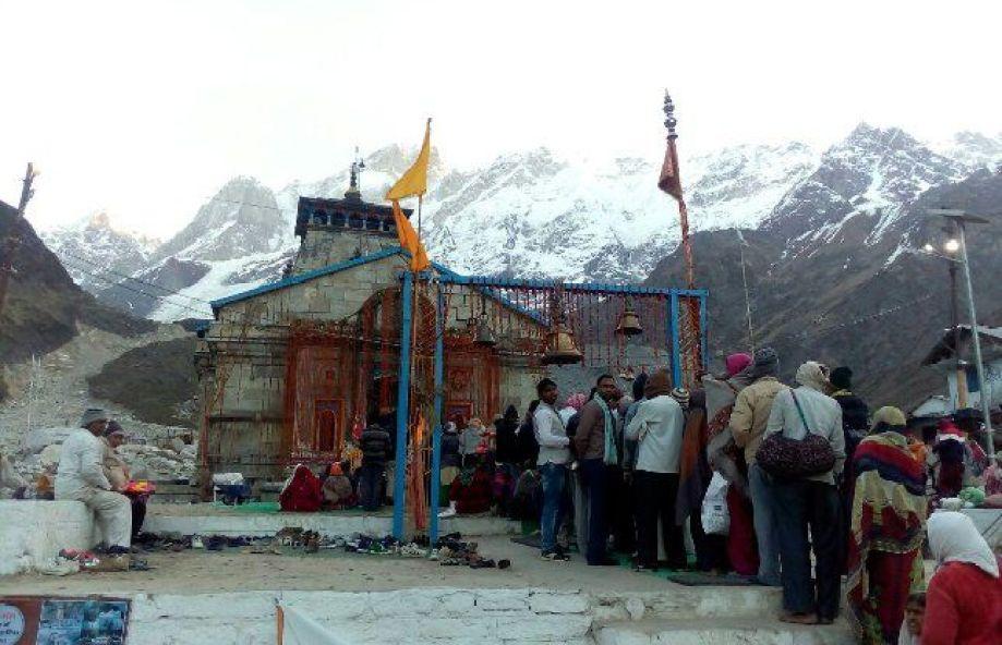 pilgrims reaching kedarnath dham