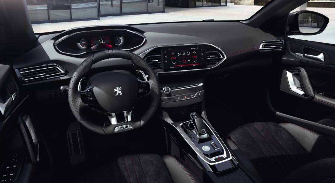 2021 Peugeot 308 with new Dashboard design