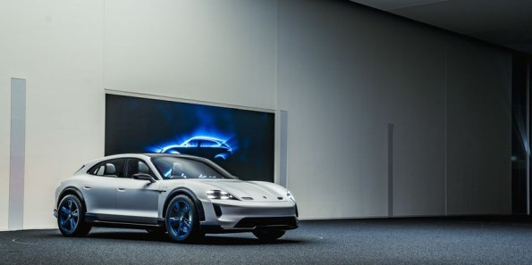 2021 Porsche Taycan Cross Turismo New Exterior Styling