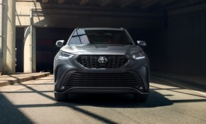 2021 Toyota Highlander with new exterior