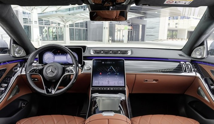 2021 Mercedes S-Class Dashboard and Navigation