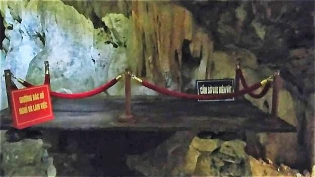 ホー・チ・ミンがこもった洞窟