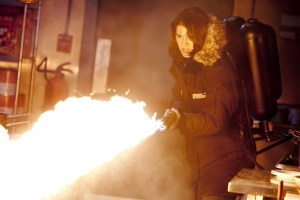 The Thing Mary Eilzabeth Winstead with flame-thrower