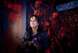Alice Cooper at his 2012 3-D Goes to Hell maze