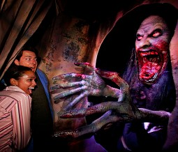 An enormous incarnation of La Llorona at Halloween Horror Nights 2012
