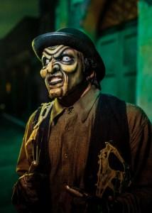 Knott's Halloween Town scare zone