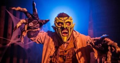 Knott's Berry Farm Halloween Haunt Green Goblin