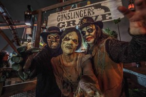 Knott's Scary Farm: The Gunslinger's Grave entrance