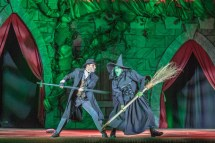 Harry Potter and the Green Witch duke it out.