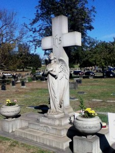 Sunnyside Cemetery in Long Beach: Denni