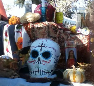 Long Beach Historical Cemetery Tour 2014: Dia De Los Muertos decorations