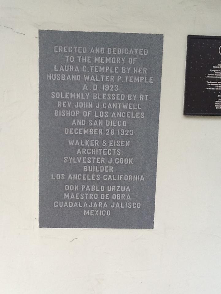 Commemorative plague on the Walter P. Temple Mausoleum