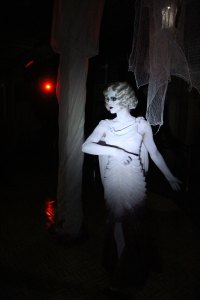 QueenMaryDarkHarbor2014-GracefulGaleInside2-img_6027