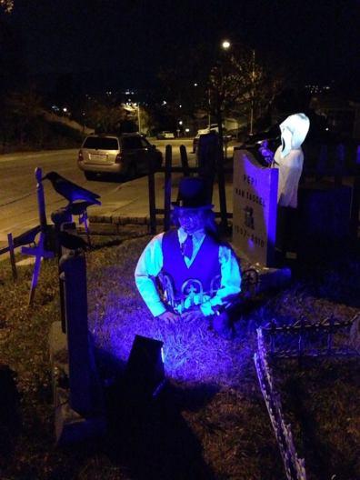 coffinwood-cemetery-2016-body-in-ground