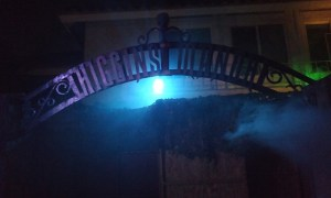 higgins-manor-sign-above-gate-2