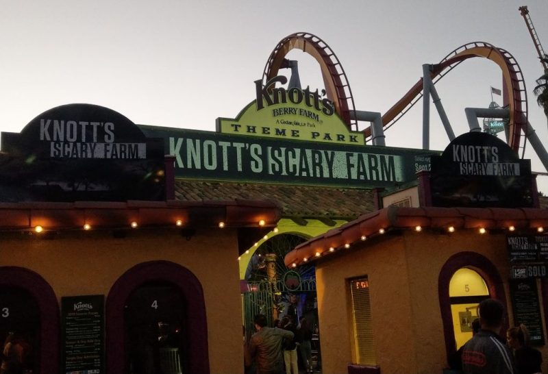 Knotts Scary Farm 2018 Review entrance