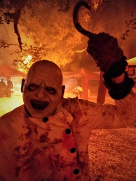 Los Angeles Haunted Hayride 2018 Review Maniac with Hook