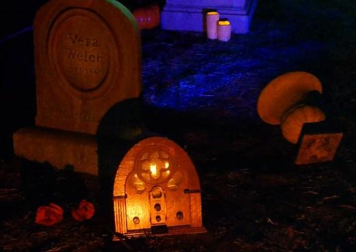 Van Oaks Cemetery 2018 haunted radio close up