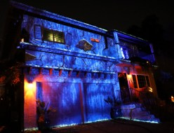 House at Haunted Hill yard display
