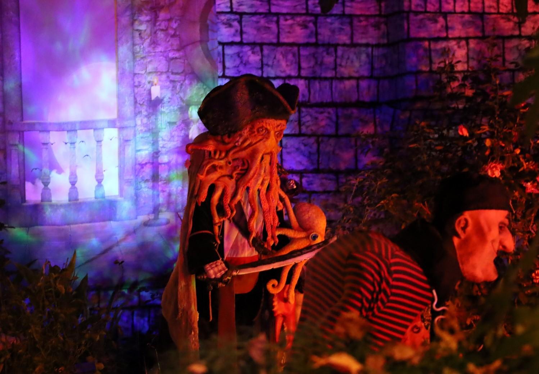 Holiday Fantasies: Pirates of the Caribbean 2019