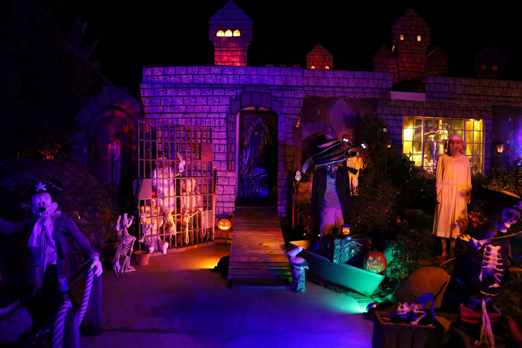San Fernando Valley Yard Haunts 2019