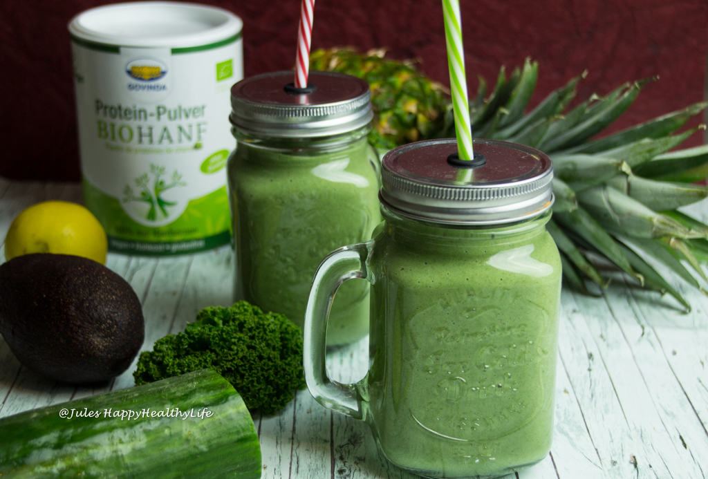 Green Detox Protein Smoothie with kale gluten free