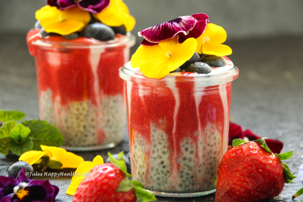 Can be prepared the night before - Vegan, gluten-free Strawberry Chia Pudding