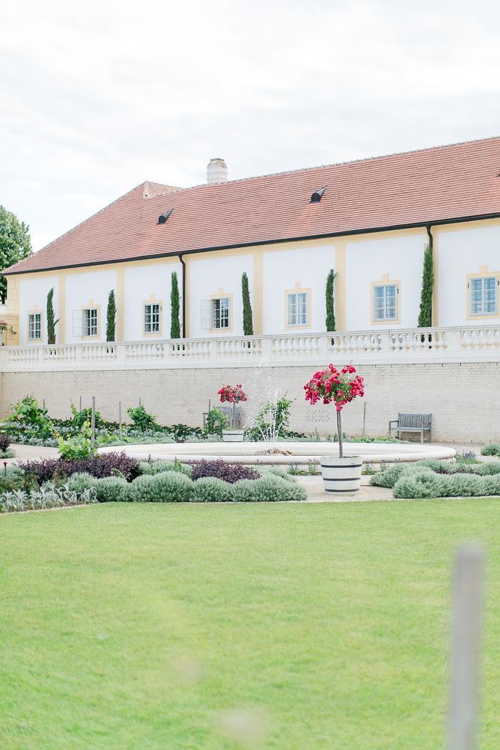 Hochzeit_schlosshof_park_orangerie-065
