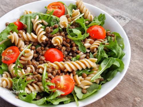 Salada de Lentilhas e Massa Integral