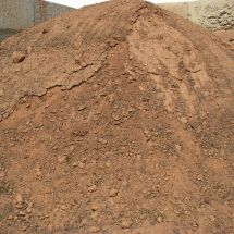 Red Screened Topsoil with Compost and Manure compost04