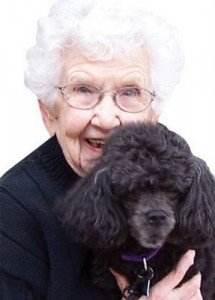 Elderly-pet-therapy