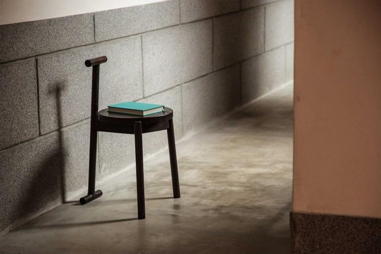 一張隨心所欲的萬能小椅