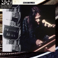 Neil Young – Live At Massey Hall 1971 (2019) Mp3